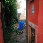 Inquietud en Los Rosales por los destrozos ocasionados por ocupas en una vivienda del barrio