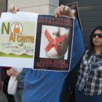 concentración contra el cierre de la escuela infantil de Cáritas 1