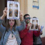 concentración contra el cierre de la escuela infantil de Cáritas 7