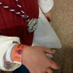 Recoge tus pulseras identificativas para niños en la Oficina de Turismo
