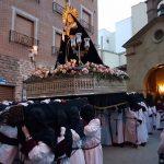 Ardua maniobra: Emoción a la entrada de la Soledad en Puertollano