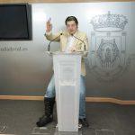 Fernández denuncia que el edil de C's se ha doblado el sueldo, pide su dimisión y reclama al Pleno que lo sancione por incumplir sus obligaciones