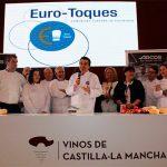 Los cocineros europeos conceden al consejero de Agricultura el Premio Eurotoques por su labor al frente de la Fundación Dieta Mediterránea