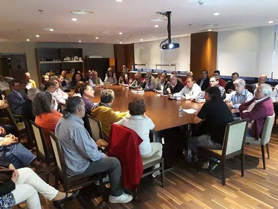 Reunión de Pavel Vladislavlev con miembros de la plataforma (Foto: Salvemos Puertollano)