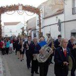 Villamayor revivió la llegada de la imagen de San Isidro y el canto de los Mayos a la Cruz