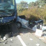 Un herido grave y cinco leves tras la colisión de un autobús con escolares y un turismo en Almadén