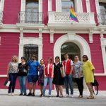 La bandera la diversidad abre los actos del Orgullo LGTB en Puertollano