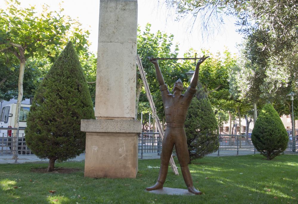 monumento alferez 4