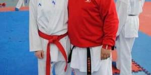 Patricia, con su entrenador y responsable de las escuelas deportivas de kárate, Vicente Molina Ayllón.
