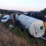 La Plataforma N-430 vuelve a reclamar el desdoblamiento en autovía tras el vuelco de un camión y la salida de un turismo