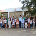 Cerca de una treintena de estudiantes universitarios inician sus prácticas de verano en el Complejo Industrial de Repsol en Puertollano