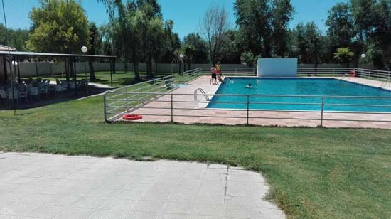 El ayuntamiento de villamayor de calatrava gestiona por for Precio piscina municipal madrid 2017