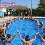 Las mujeres de Infantes combaten el calor a ritmo de Aquagym