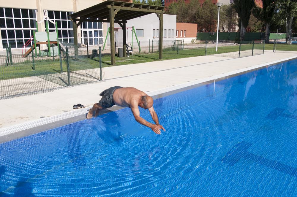 La piscina del rey juan carlos permanecer abierta for Piscina arganda del rey