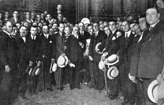 El ministro de Fomento con la Comisión de agricultores de la provincia de Ciudad Real. Fuente_ Mundo Gráfico (22.9.1920)