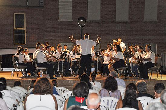 El-concierto-transcurrió-en-el-Jardín-Municipal