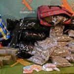 La Guardia Civil detiene a tres personas por tráfico de drogasen la autovía de Andalucía
