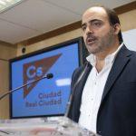 C´s pide que se determinen las zonas sensibles a ataques terroristas y exige la presencia de banderas en dependencias municipales