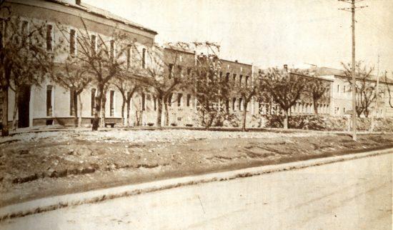 Vista general del Hospital Provincial de la Beneficencia de Ciudad Real. Consejo General de Colegios Médicos de España, 18, Marzo 1948