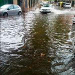 Impresionante balsa de agua en la calle Barcelona