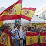 Las banderas españolas vuelven a la Plaza Mayor