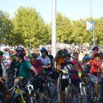 Cientos de personas participan en el Día de la Bicicleta
