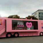 El bus del cerdo de capa blanca visitará Ciudad Real