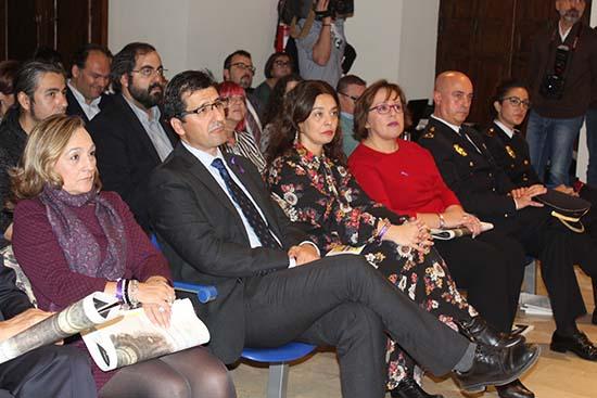 Carmen Olmedo acto oficial Dia contra Violencia de Genero