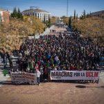 Más de un millar de personas se manifiestan en Ciudad Real para reclamar más financiación  y transparencia para la Universidad regional