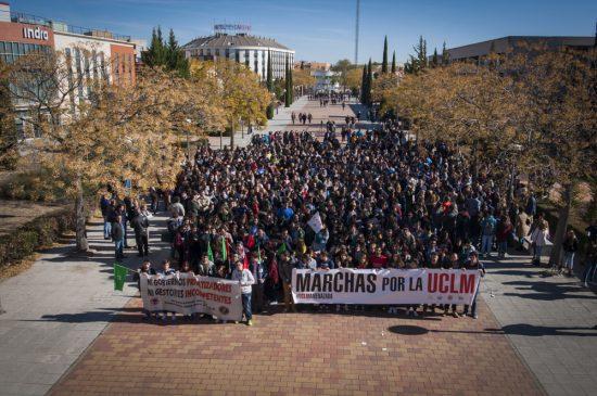 Manifestación estudiantil financiación UCLM - 1
