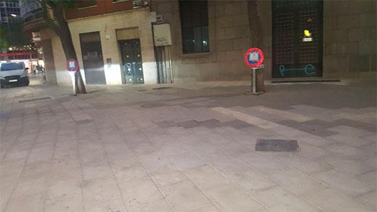prohibido-motos-en-la-plaza-cervantes-1