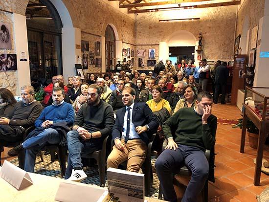 Villarrubia Presentación libro publico 2 asistentes