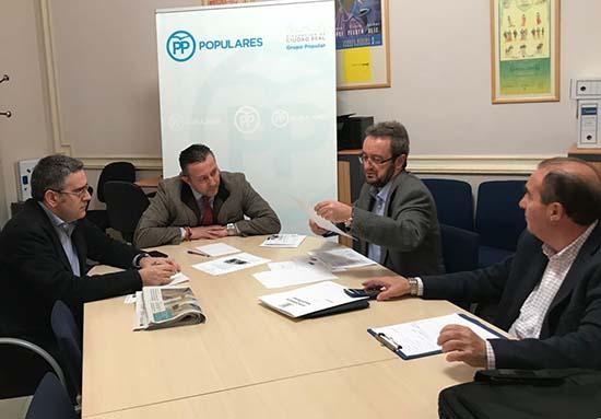 reunión alcaldes Brazatortas y Cabezarrubias con GPP