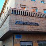 Ciudad Real: Nueva imagen corporativa en la fachada del Colegio Hermano Gárate