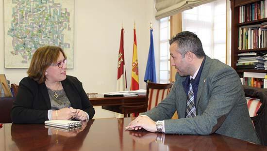 Carmen Olmedo con alcalde de Malagon