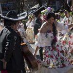 La fantasía mexicana triunfa en el desfile carnavalero de Puertollano