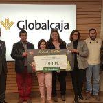 """Globalcaja entrega a APACU el premio del concurso fotográfico regional """"El árbol de las sonrisas"""""""