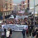 """Centenares de usuarios de la N-430 exigen al Ministerio de Fomento el arreglo urgente de la vía """"para que no provoque más muertes"""""""