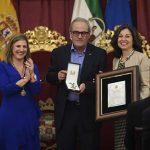 El calzadeño Francisco Acosta Acevedo, distinguido con la medalla de la provincia de Cádiz por su contribución a la alfabetización de la sociedad