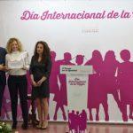 Caballero apuesta en la entrega del Premio de la Igualdad a AJE porque la equiparación de la mujer al hombre sea real y no sólo legal