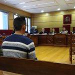 Condenan a 21 años por intento de homicidio a los primos que atropellaron a 3 chicos en un bar de Tomelloso
