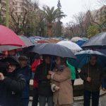Puertollano: Paraguas contra la irrisoria subida de las pensiones