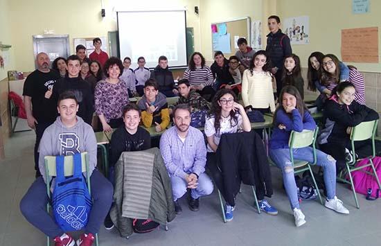 Carmen Pimienta taller TIC en centro educativo Almodovar