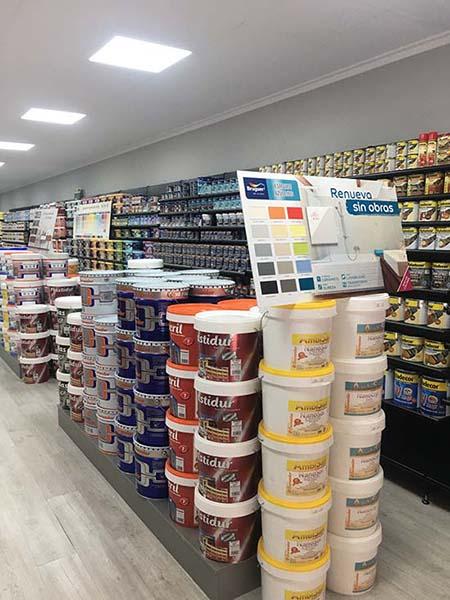 Armenteros aterriza en puertollano como tienda for Productos para piscinas