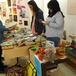 SOLMAN realiza un mercadillo solidario en la Facultad de Letras