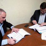 El Ayuntamiento de Terrinches y LafargeHolcim firman un convenio para revalorizar el Camino de Aníbal