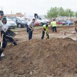 Ciudad Real: Jóvenes del proyecto #Orienta2 realizan un ajardinamiento en la carretera de Puertollano
