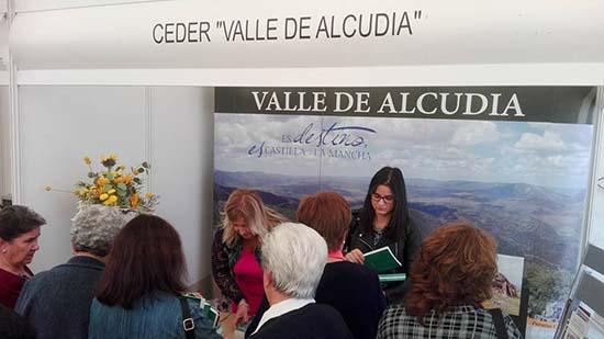 Carmen González en stand del CEDER