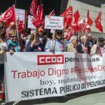 """CCOO y UGT no renuncian a sus banderas en la lucha por las pensiones y advierten de se perderá """"la partida"""" si los jóvenes interiorizan que son inviables"""