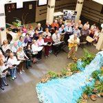 Puertollano: La alcaldesa valora la tradición y participación en la Cruz de Mayo del Centro de Mayores I
